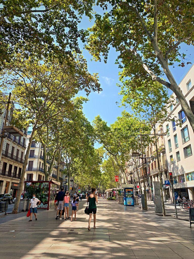 コロナで観光客の減ったスペイン、ランブラス通り