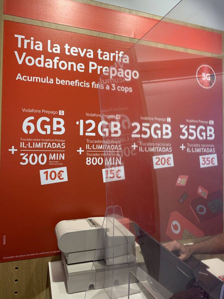 スペインで携帯を使いたいならボーダフォン!SIMカードが便利