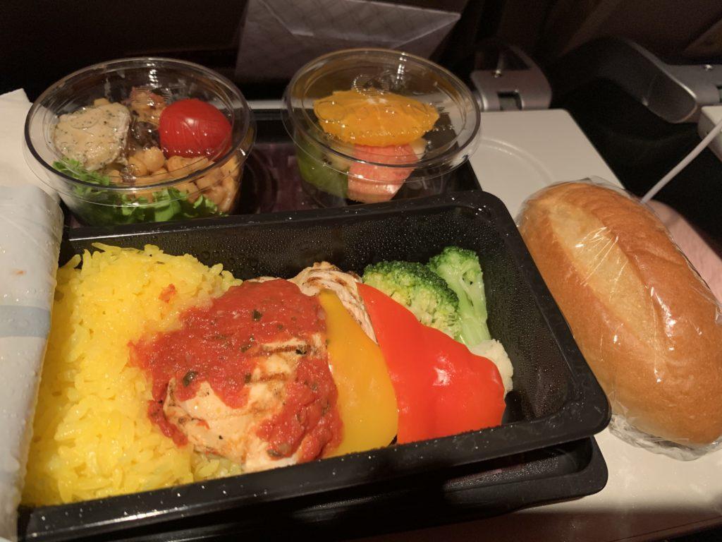カタール航空の機内食(ローカロリーミール)
