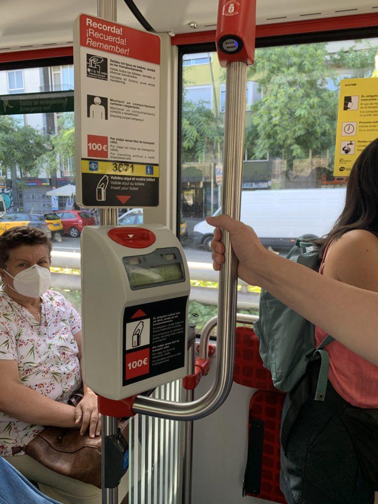 バルセロナのバスに乗ってみた
