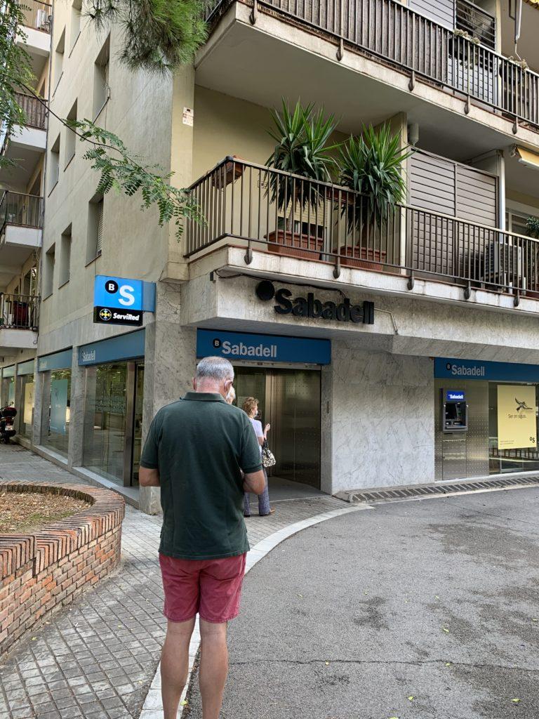 スペインで銀行口座を開設した