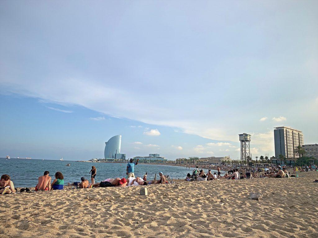 バルセロネータビーチで夏を満喫!