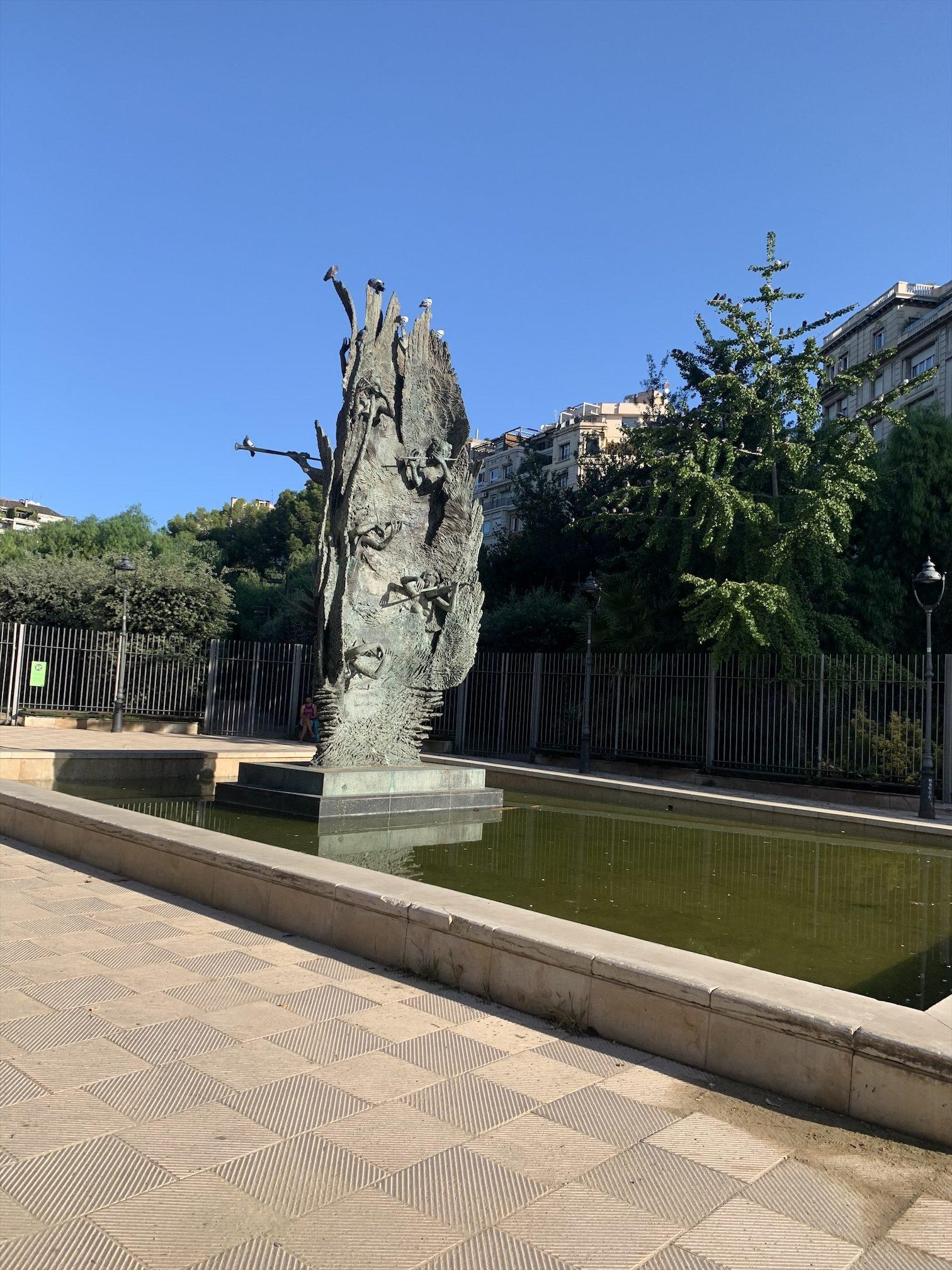 バルセロナ生活、Turo公園で朝ヨガ