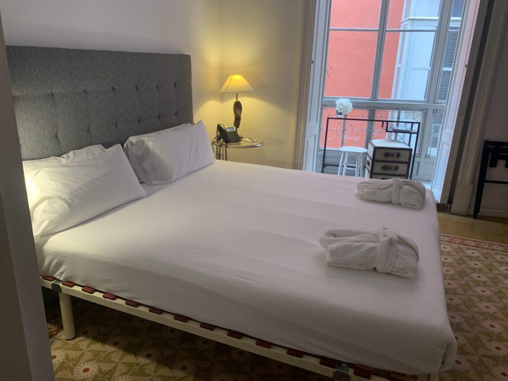 マヨルカ島パルマ地区のホテル「Brondo Architect Hotel」に宿泊