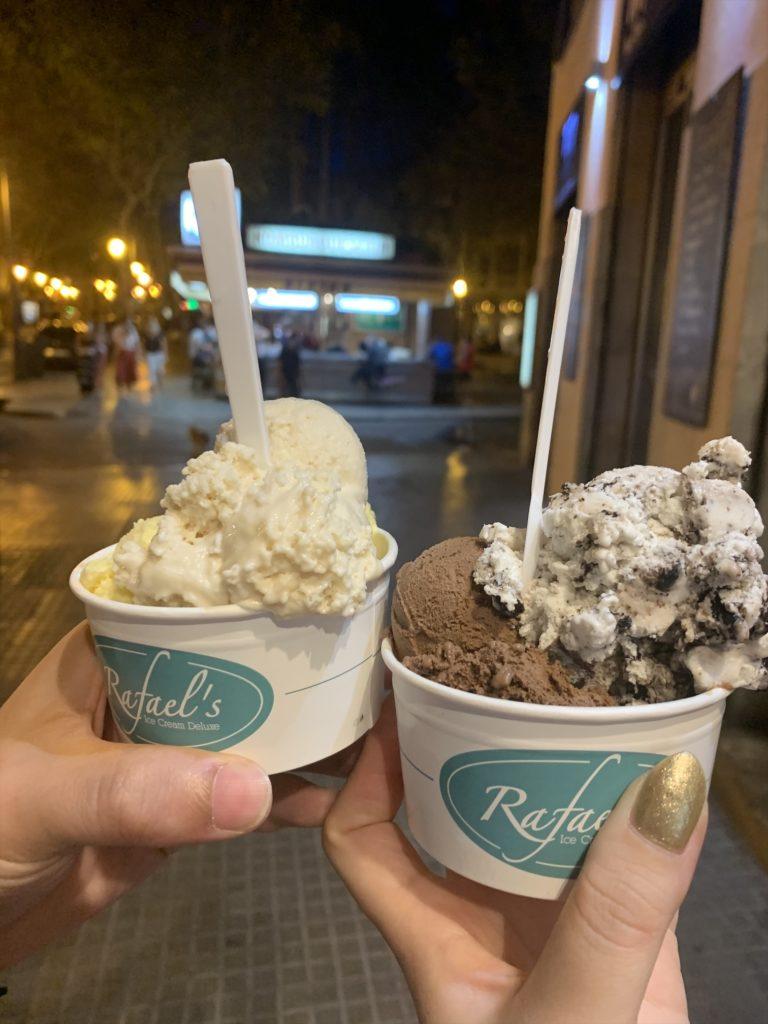 パルマ中心部のアイスクリーム屋さん