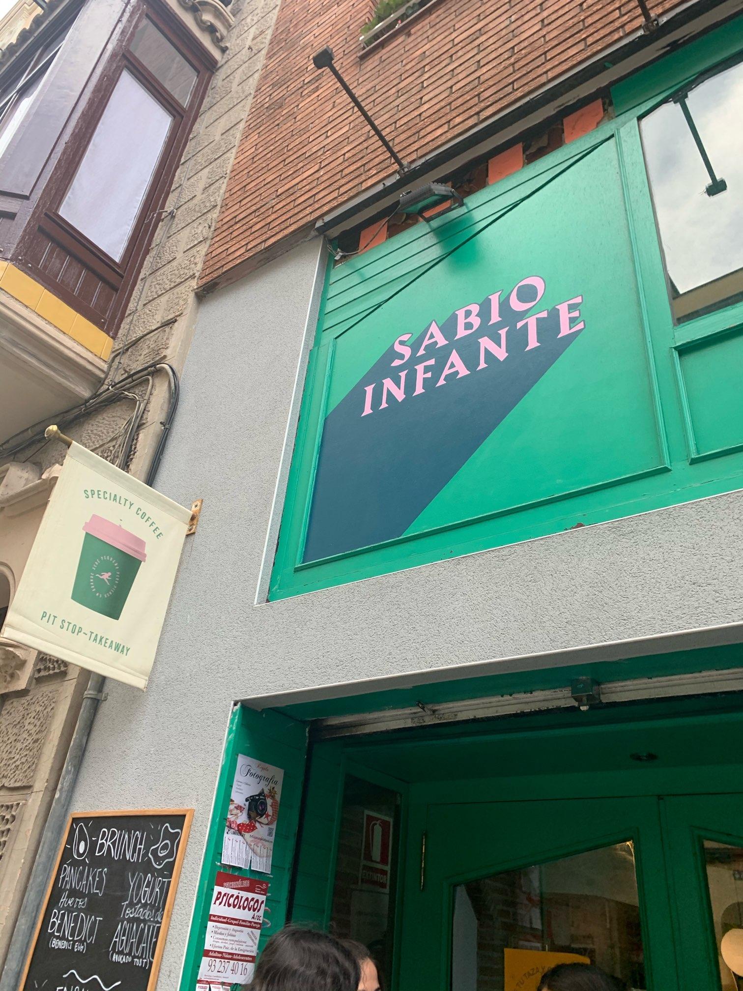 バルセロナの人気カフェ(ワンコもOK)