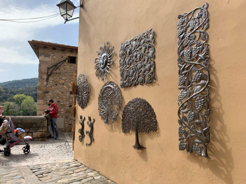 スペインジローナの観光必須な街、べサル