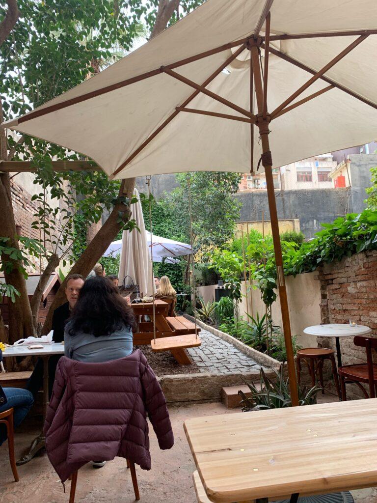 バルセロナの可愛いカフェビリーブランチ