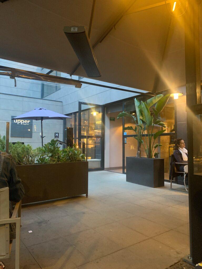 バルセロナのお洒落なホテルレストラン Upper Lounge Bar