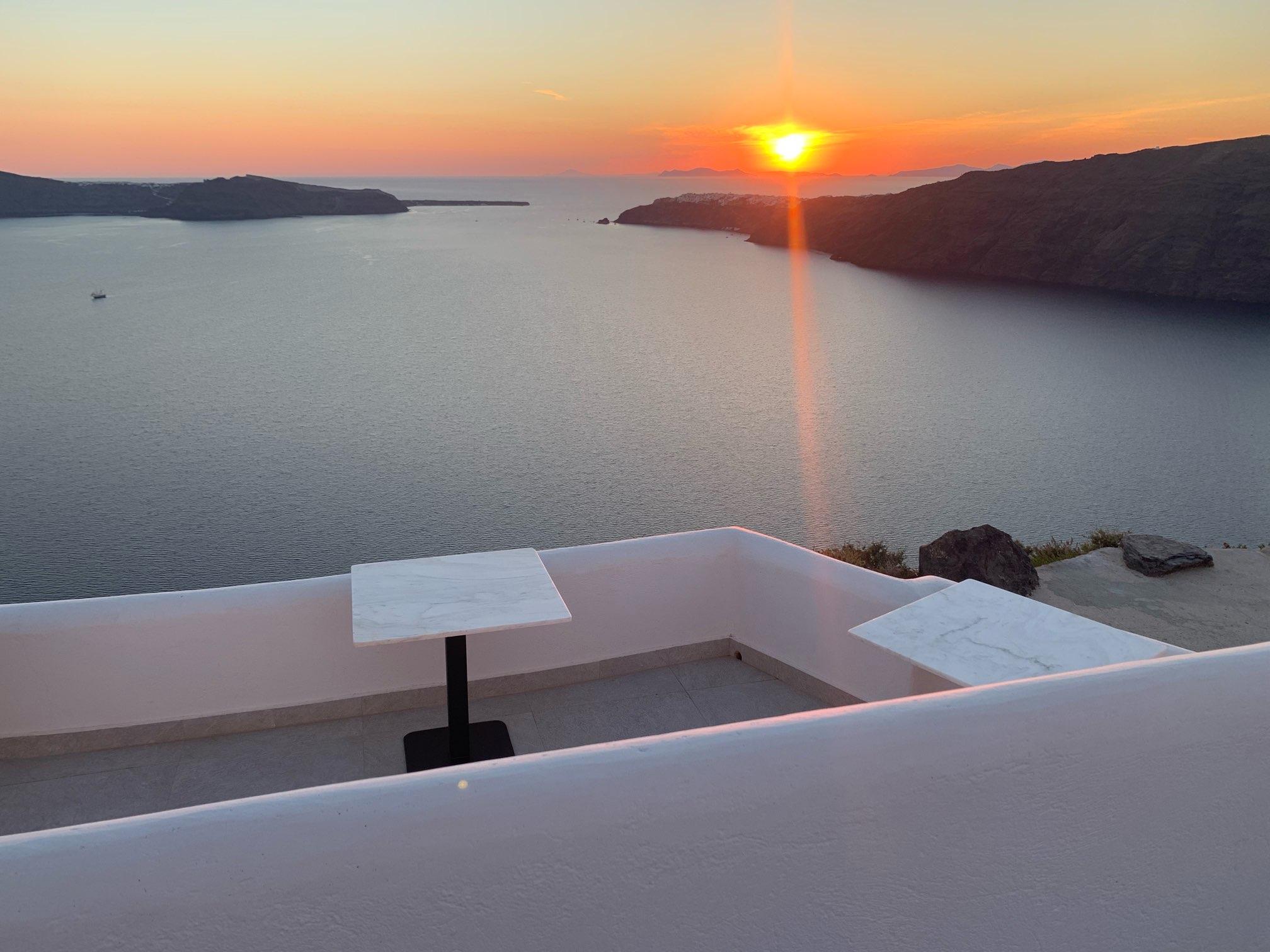 日台夫婦サントリーニ島へ旅行!最高なレストラン