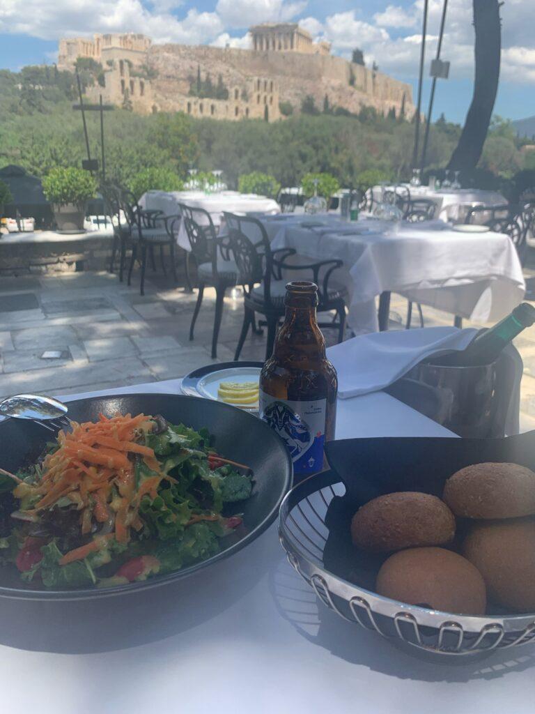 パルテノン神殿が見える絶海レストラン