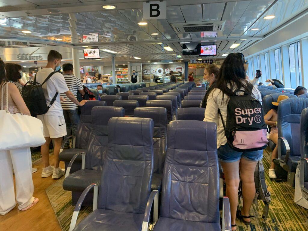 サントリーニ島からミコノス島までフェリーの旅