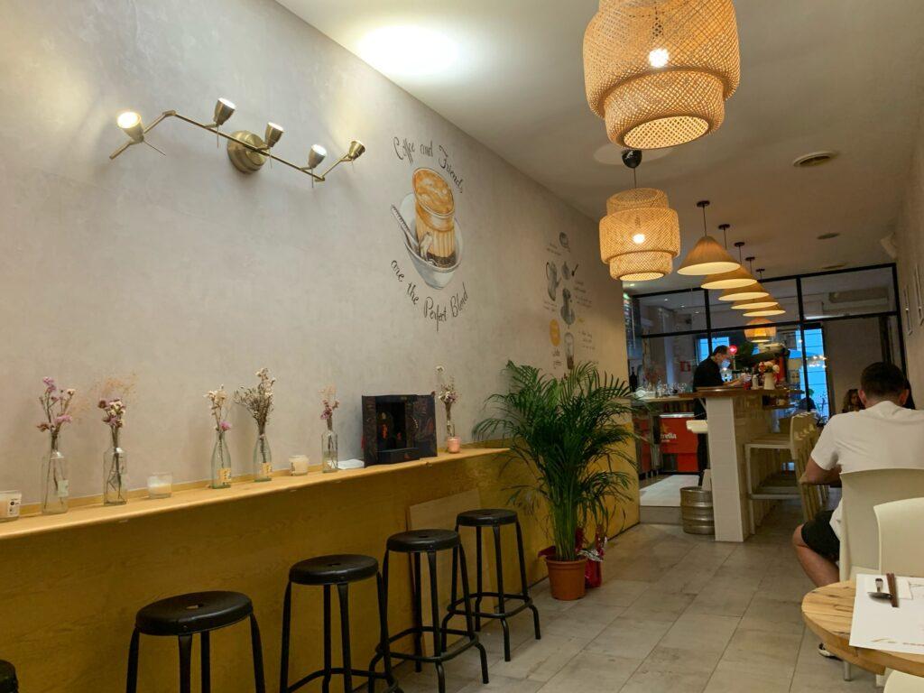 バルセロナ、サグラダファミリア近くのベトナムレストラン